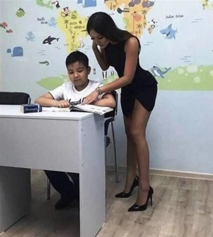 【女教師】「ワイの担任エロくない?」とSNSにうpされた画像。父親も興奮するわwwww・8枚目