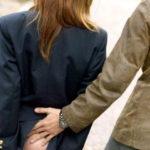 【エロ画像】小学校の頃を思い出す「スカート捲り」今じゃ犯罪wwwwwww