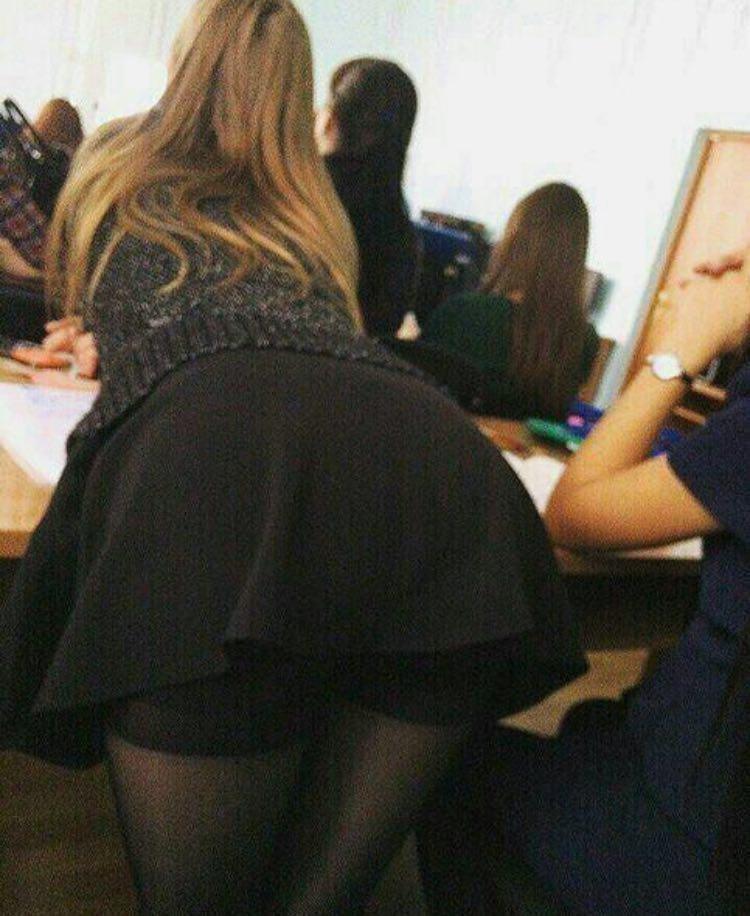 【ロシア】大学に在学してる男子が一番後ろの席を好む理由がこちら。天国やろwwww・3枚目