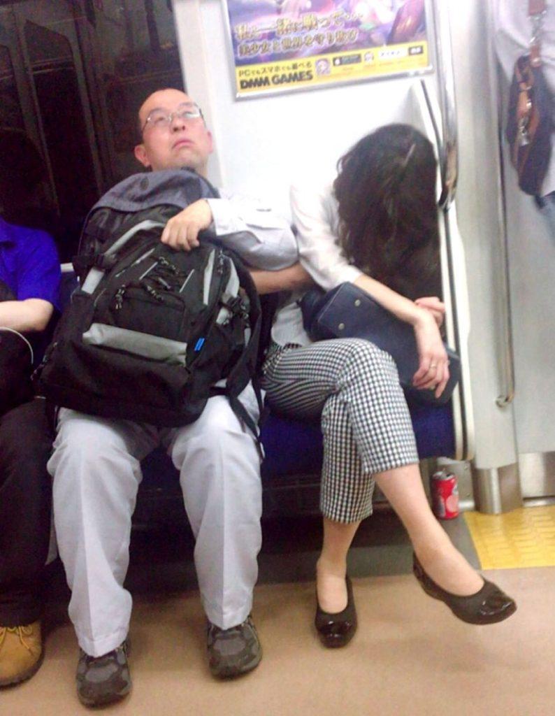 【ガチ痴漢】電車でチカン被害に遭ってる女の子が撮影される・・・(画像あり)・45枚目