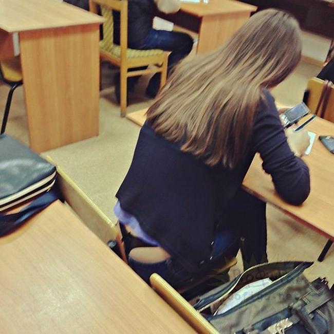 【素人】同級生の女がエロいと男子生徒が盗撮した画像がコレ。勃起不可避やろwwwww(37枚)・25枚目