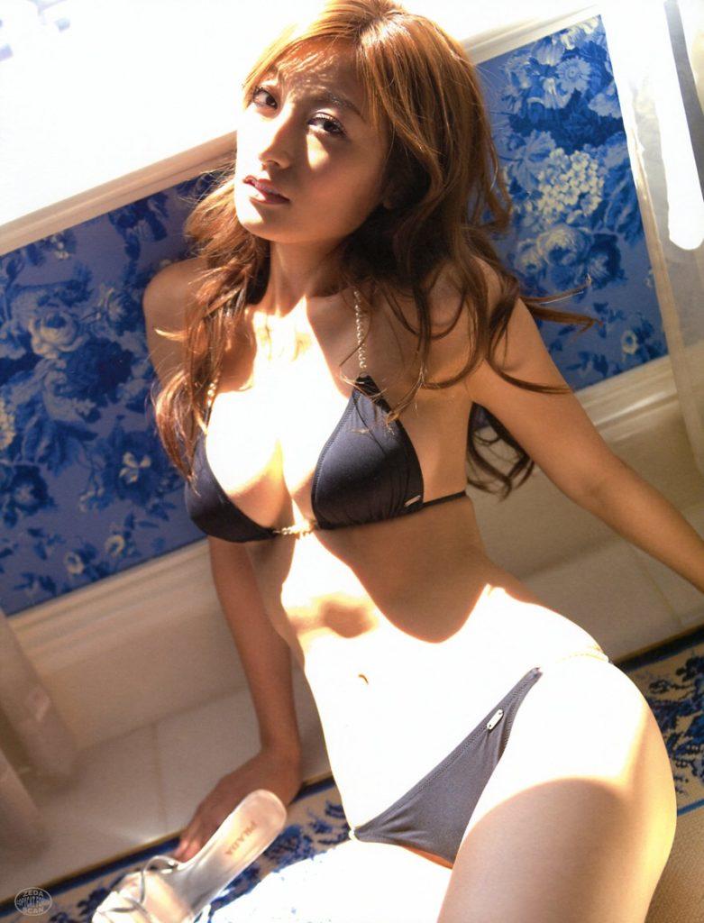 【熊田 曜子】37歳の女性で最もエロい熟女ボディーがこちらwwwwww(27枚)・26枚目