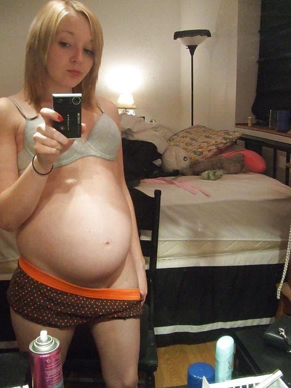 【妊婦】10代で孕んでしまった女さん、SNSでボテ腹エロ画像をうpするwwwwww(画像あり)・27枚目