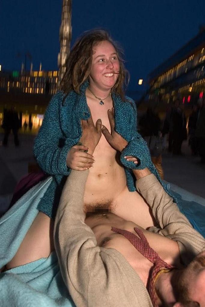 【売春婦】激安すぎる売春さん路上でパパッと済ませるテクを持ってるwwwwww(画像あり)・29枚目