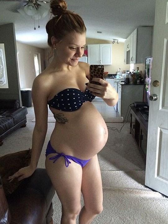 【妊婦】10代で孕んでしまった女さん、SNSでボテ腹エロ画像をうpするwwwwww(画像あり)・30枚目