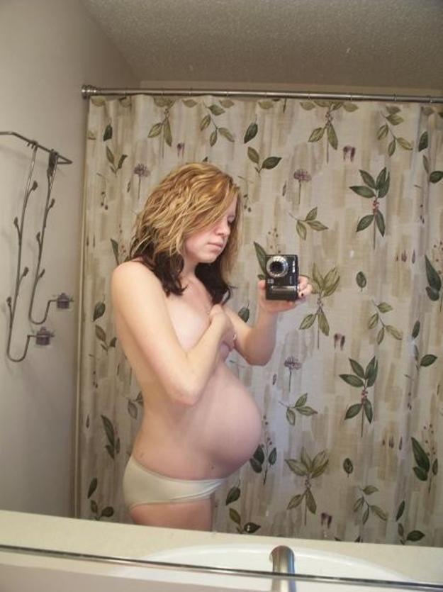 【妊婦】10代で孕んでしまった女さん、SNSでボテ腹エロ画像をうpするwwwwww(画像あり)・34枚目