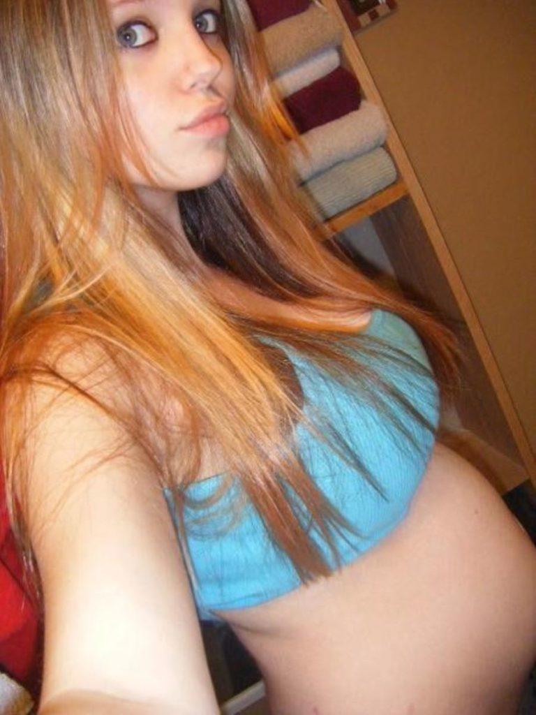 【妊婦】10代で孕んでしまった女さん、SNSでボテ腹エロ画像をうpするwwwwww(画像あり)・37枚目