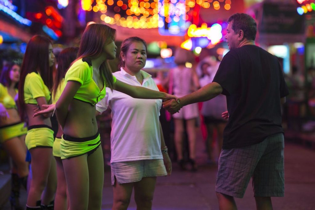 【売春婦】香港の売春まんさん、カネを払わず実態を晒される。。(画像あり)・11枚目