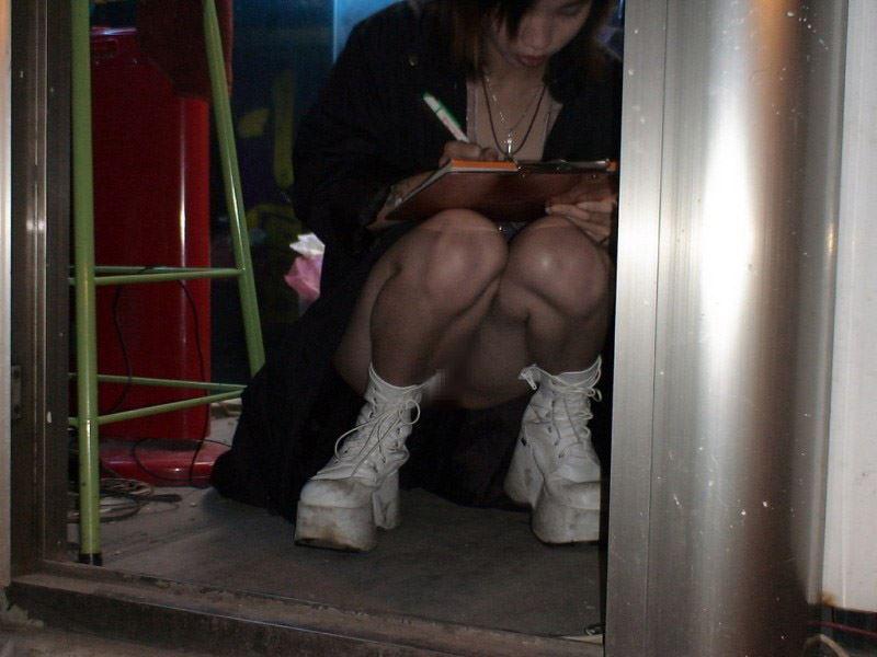 """ほぼ""""全裸""""の台湾ビンロウ売り女子の日常をご覧くださいwwwwwww(36枚)・19枚目"""