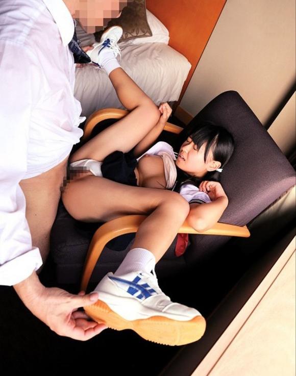 【エロ画像】小さい女の子しか愛せない炉利紺の為の画像まとめたったww犯罪予備軍で草wwwww・32枚目