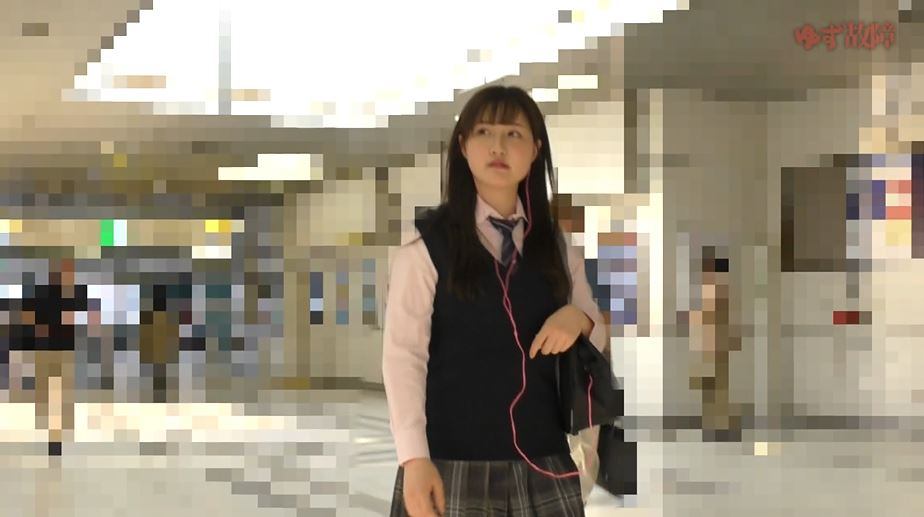 【※ガチ痴漢】美少女系JKさんがガチ痴漢さた時の記録映像がコレ。。・10枚目
