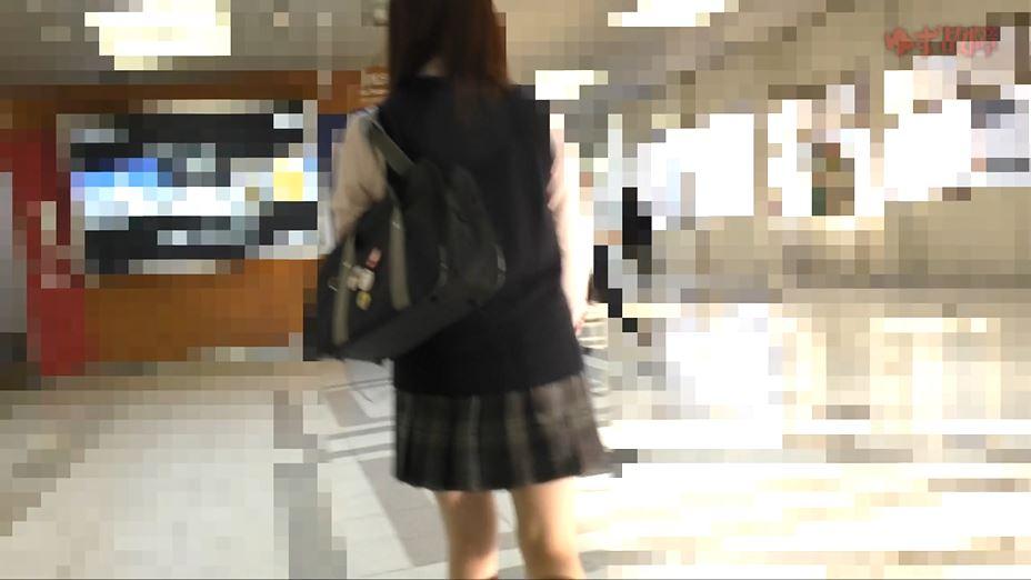 【※ガチ痴漢】美少女系JKさんがガチ痴漢さた時の記録映像がコレ。。・9枚目