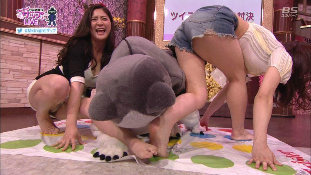 TVなのにミニスカ女子にツイスターゲームやらせた神番組をご覧くださいwwwww(GIFあり)・9枚目