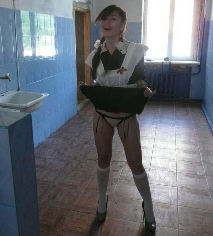 女子学生の海外まんさん、記念撮影で卑猥な事しちゃうwwwwwwww(68枚)・13枚目