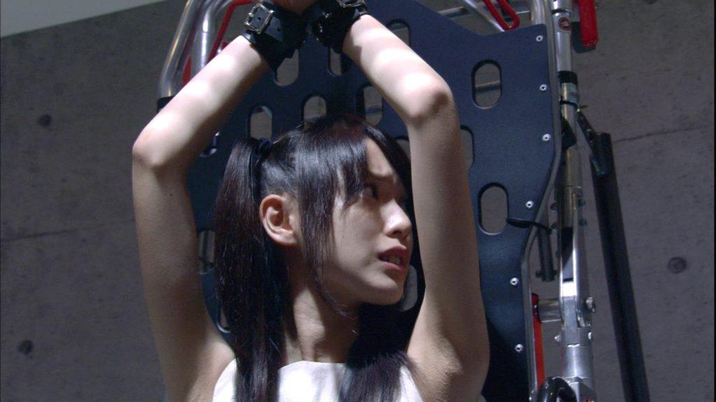 【戸田恵梨香】の貧乳おっぱいがチラッと見えた瞬間がコレwwwww(画像あり)・79枚目