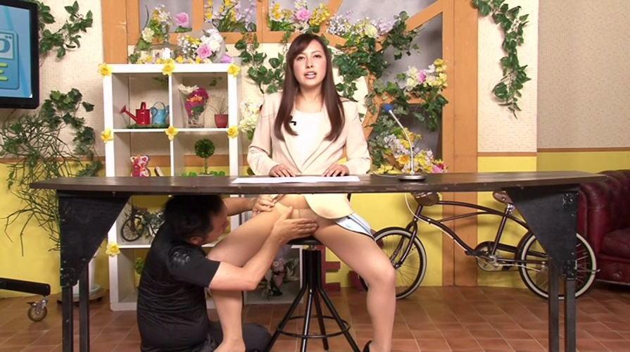 女子アナまんさん、本番中にとんでもない行為をしてしまう・・・大事故やろwwwww(画像あり)・24枚目