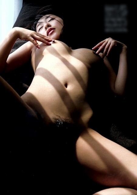 【※保存不可避※】巨乳グラドルまんさん、乳首解禁ヌード画像集 50枚・8枚目