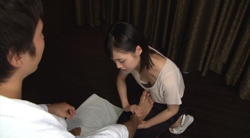 【ノーブラ】朝から男を興奮させる胸チラ女が撮影されるwwwwww(画像あり)・14枚目