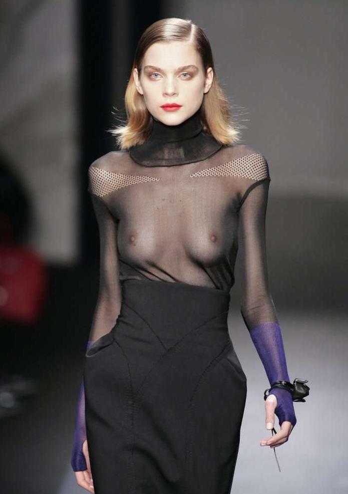 【モデル】乳首を晒さないといけない職業。真っ黒やったら無理やんwwwwwww(121枚)・85枚目