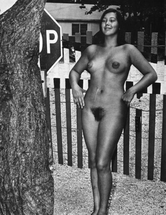 【エロ画像】白黒時代のヘアヌード女さんのナチュラルボディーがこちら。(26枚)・4枚目