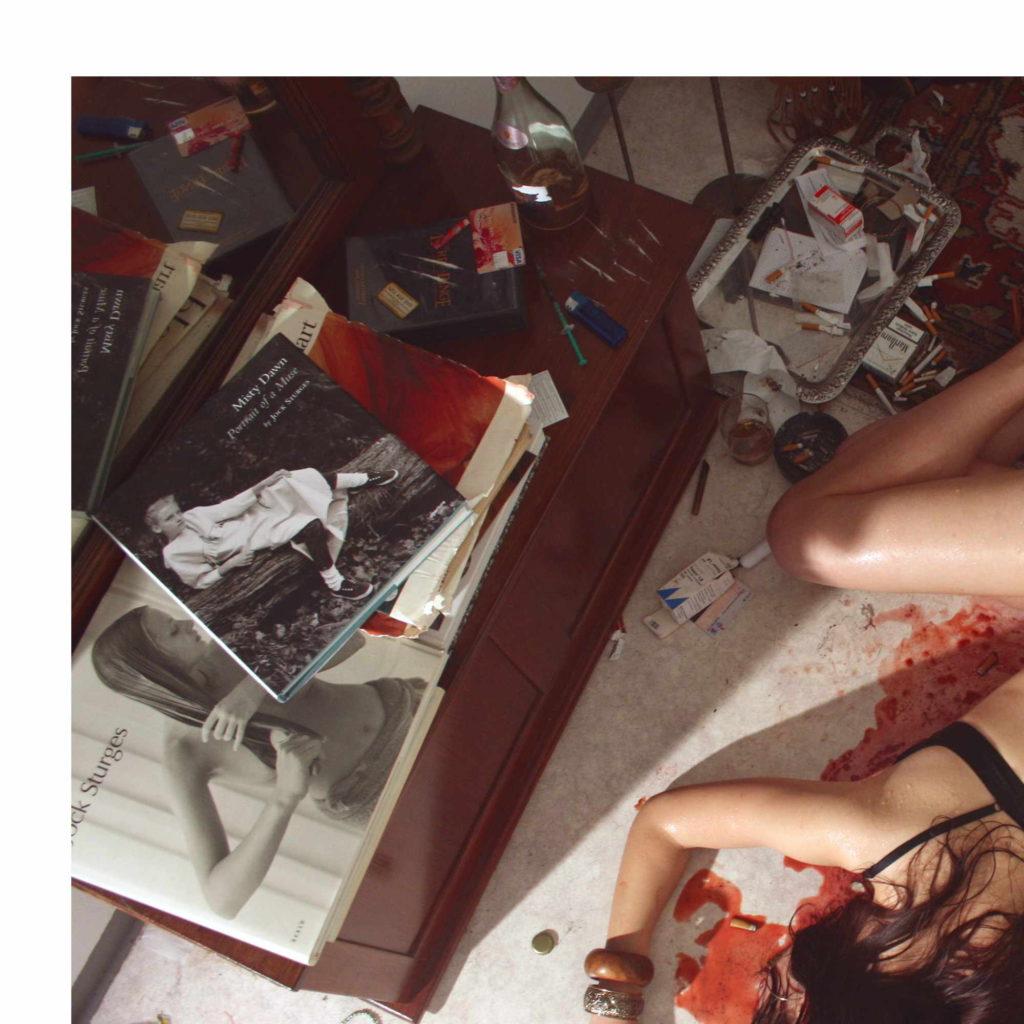 【薬物中毒者】全裸でキメてる女性たちが撮影された画像まとめ。(33枚)・8枚目