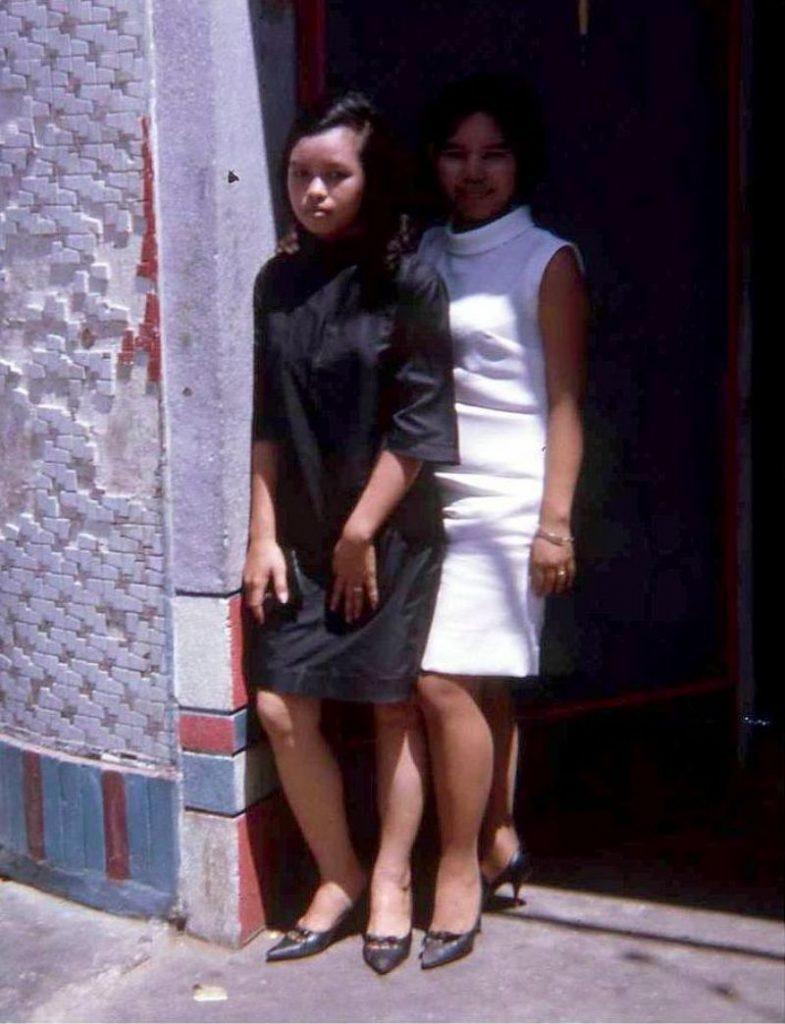 【売春婦】ベトナムの売春宿で撮影された「軍用御用達」の女たち。・13枚目
