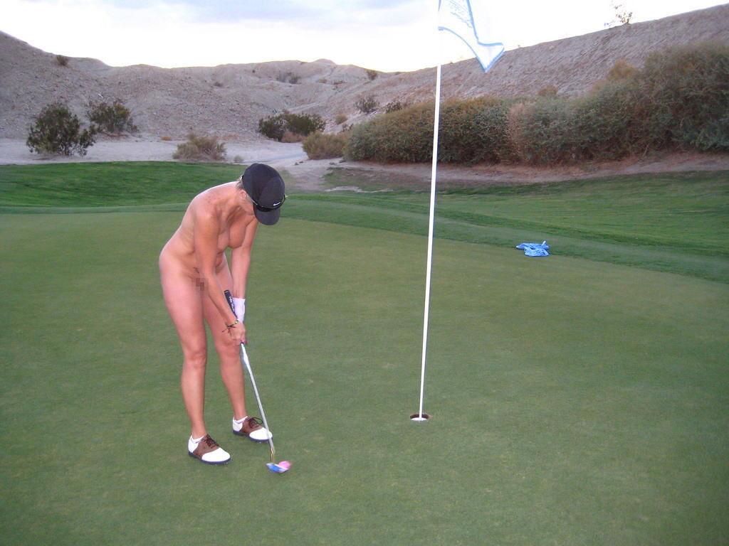 【エロ画像】富豪の ゴルフコンペ ただの露出大会になるwwwww・13枚目