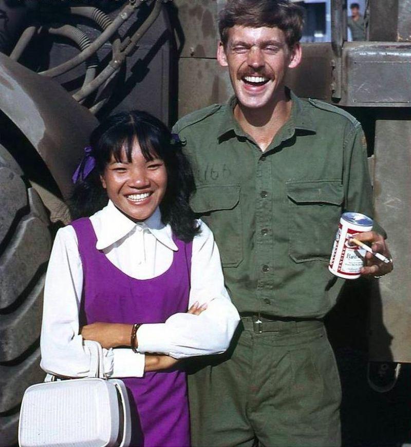 【売春婦】ベトナムの売春宿で撮影された「軍用御用達」の女たち。・15枚目