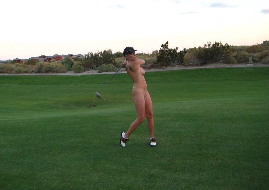 【エロ画像】富豪の ゴルフコンペ ただの露出大会になるwwwww・15枚目