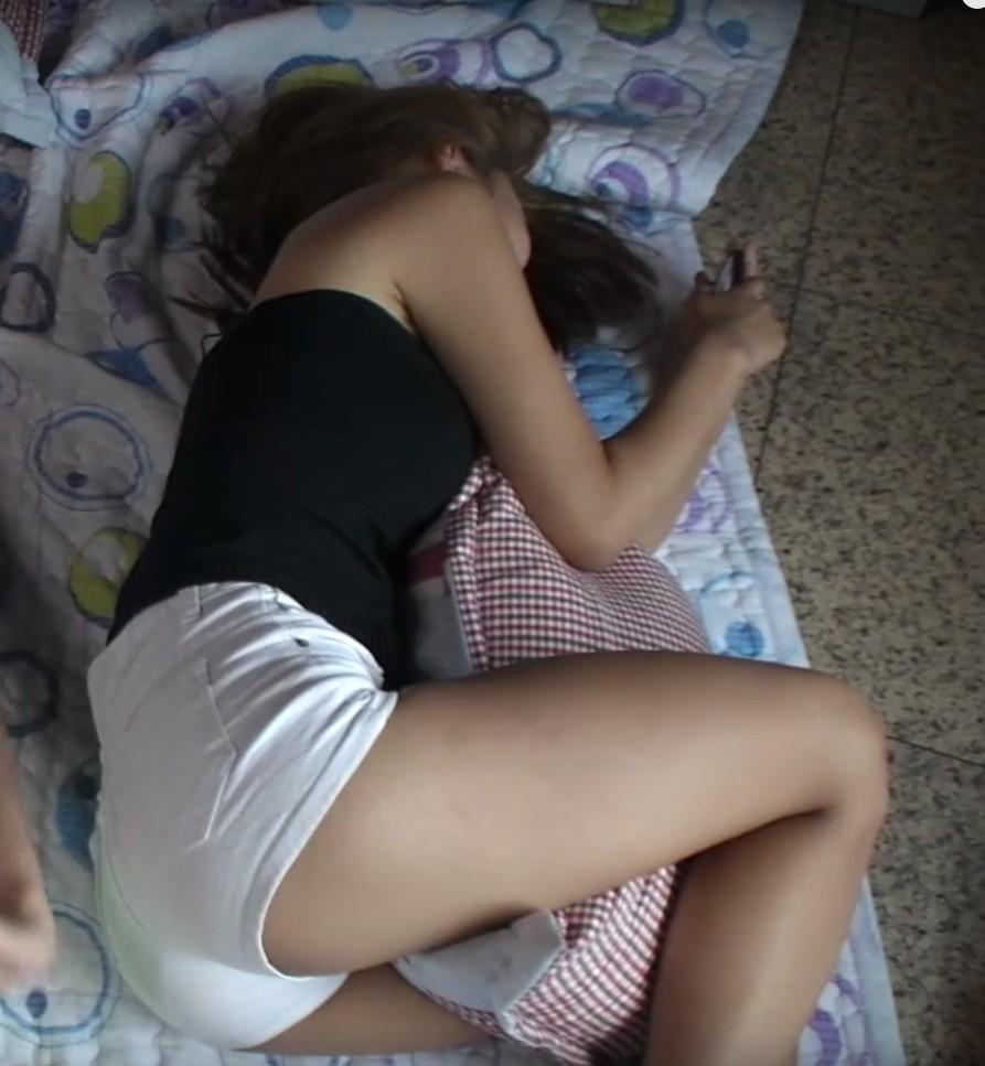 【韓国素人】家庭内を夫に盗撮された「韓国美女」がSNSで晒されるwwww・18枚目