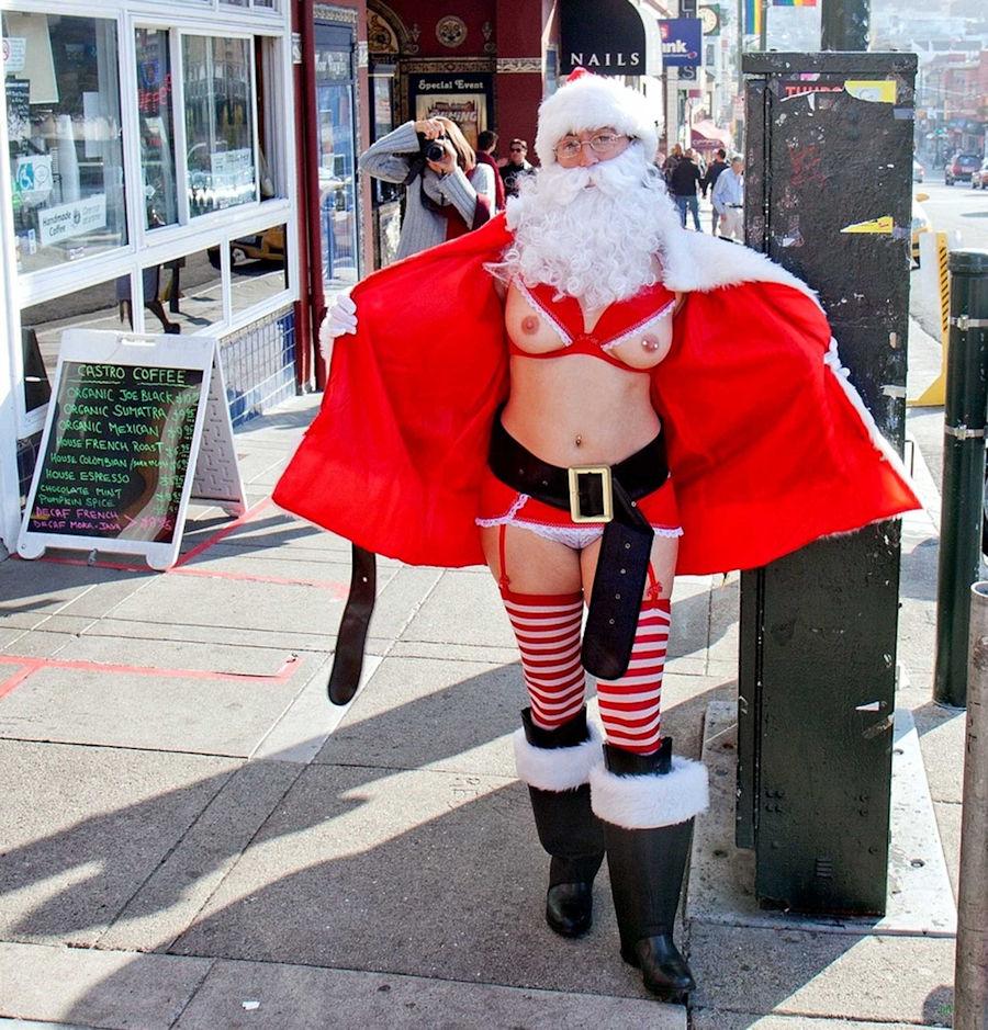 露出狂の女ってクリスマスになると何でサンタになるの?プレゼントはエロそうwwwww(画像あり)・19枚目