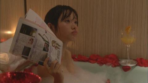 【石原さとみ】この女優の「今からヤルよぉ」的な濡れシーンが一番エロいよな?wwwwww(187枚)・150枚目