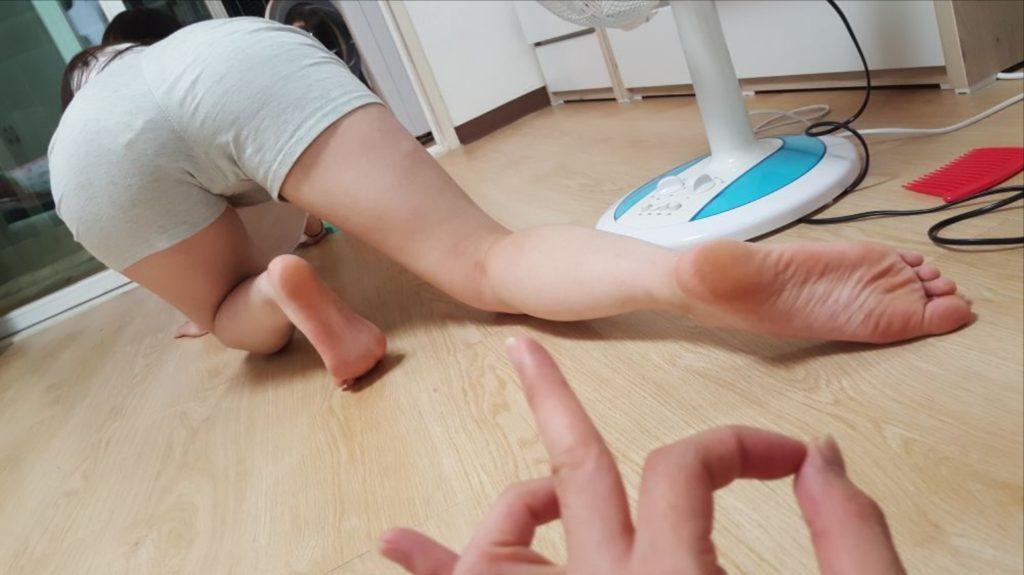 【韓国素人】家庭内を夫に盗撮された「韓国美女」がSNSで晒されるwwww・2枚目