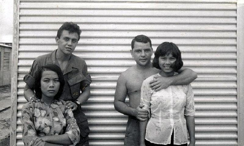 【売春婦】ベトナムの売春宿で撮影された「軍用御用達」の女たち。・22枚目