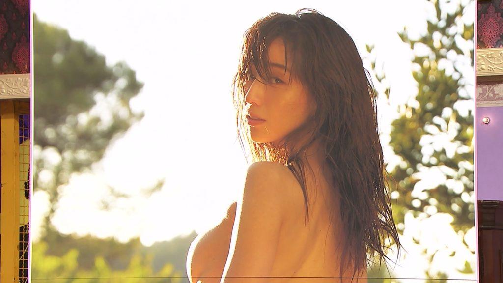 田中みな実さん「しゃべくり007」ガチで 乳首 を披露して照れるwwwwww(画像あり)・9枚目