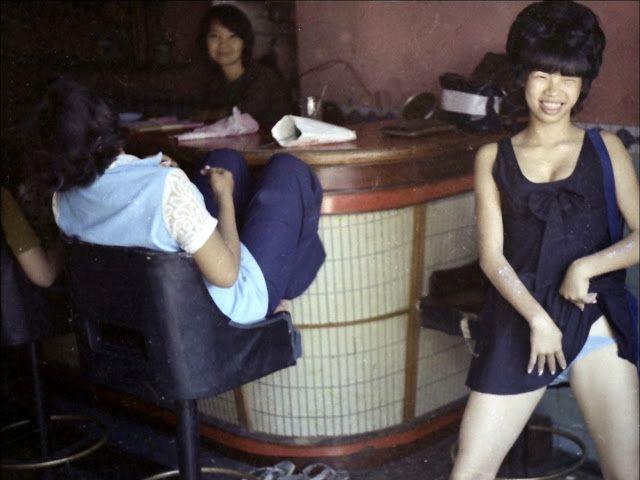 【売春婦】ベトナムの売春宿で撮影された「軍用御用達」の女たち。・25枚目