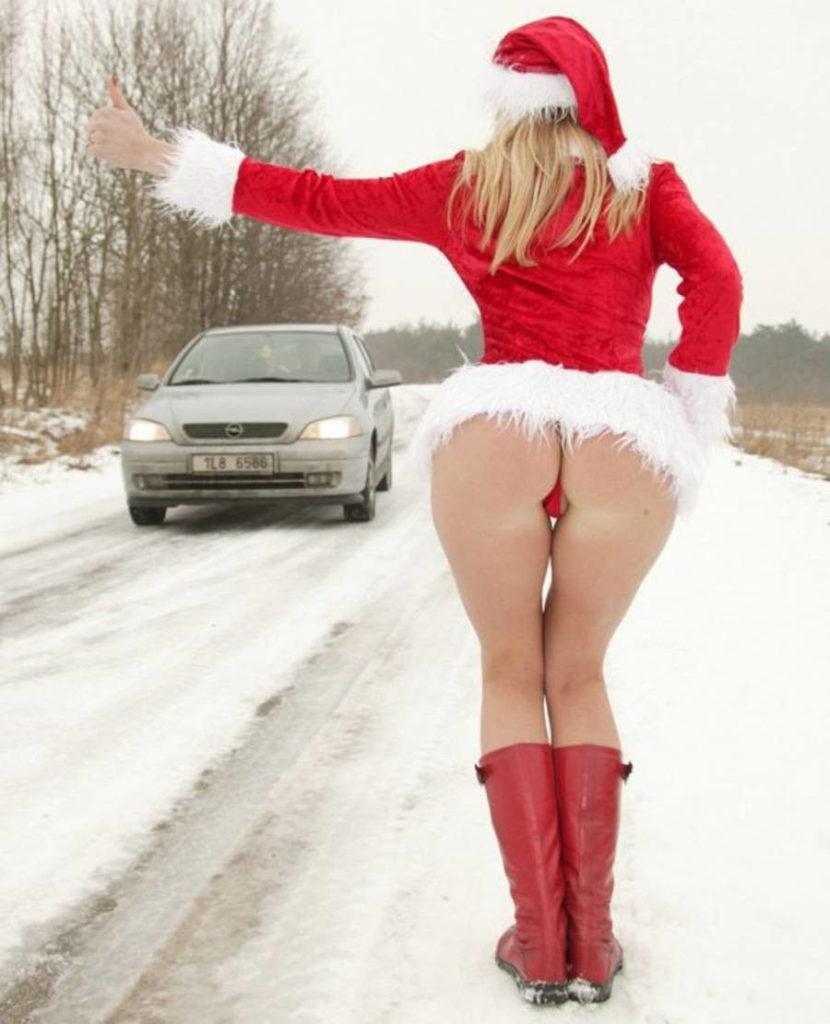 露出狂の女ってクリスマスになると何でサンタになるの?プレゼントはエロそうwwwww(画像あり)・26枚目