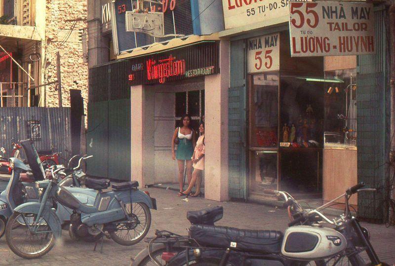 【売春婦】ベトナムの売春宿で撮影された「軍用御用達」の女たち。・35枚目