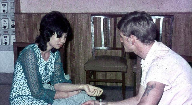 【売春婦】ベトナムの売春宿で撮影された「軍用御用達」の女たち。・36枚目