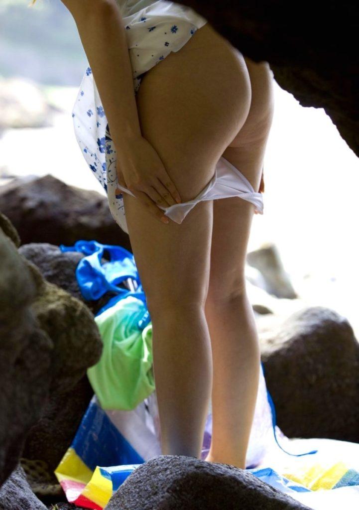 """【盗撮】部活女子さん、""""生着替え""""を望遠カメラで撮影されるwwwwww(38枚)・32枚目"""