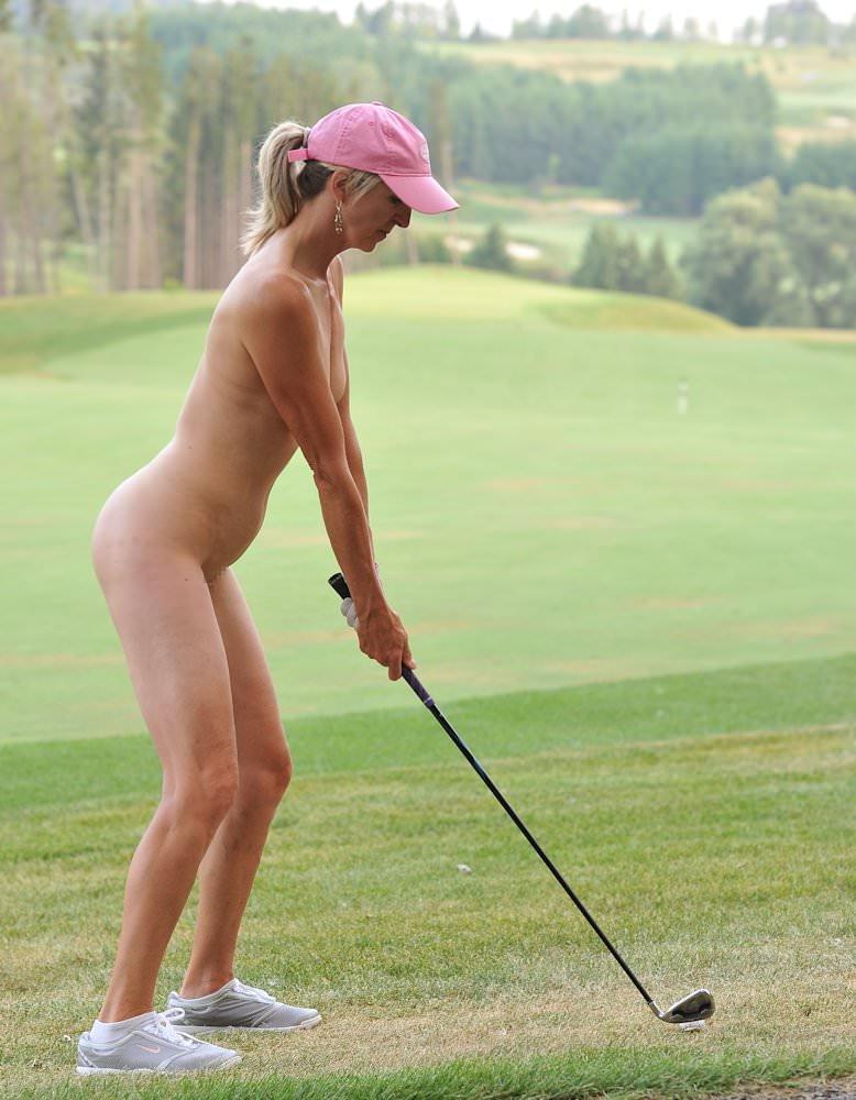 【エロ画像】富豪の ゴルフコンペ ただの露出大会になるwwwww・4枚目