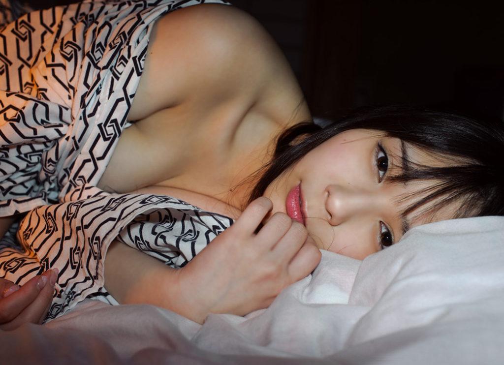 【エロ画像】「浴衣美女がノーブラだったら?」って画像が想像以上やったwwww・4枚目