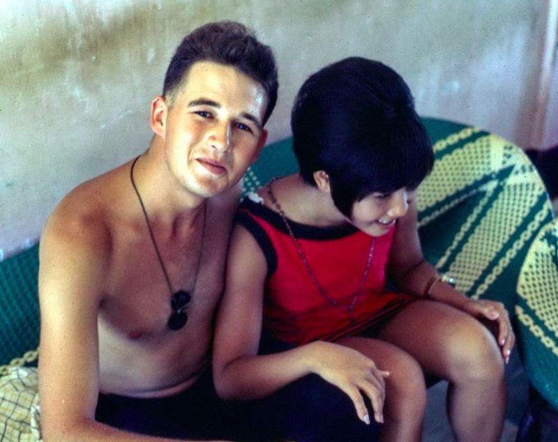 【売春婦】ベトナムの売春宿で撮影された「軍用御用達」の女たち。・8枚目