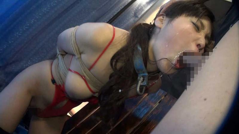 イラマチオさせられた女さん、色んな液体が出まくる。これはヒドイわwwwww(GIFあり)・9枚目
