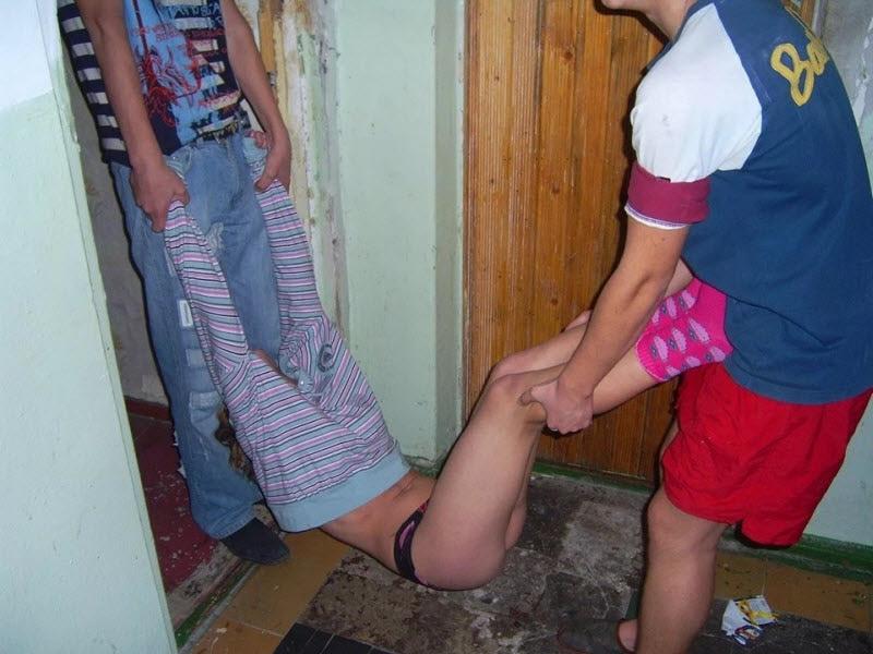 【※乱交】ロシアの10代の男女が乱交パティー。。世界が激震・・・・(画像あり)・11枚目