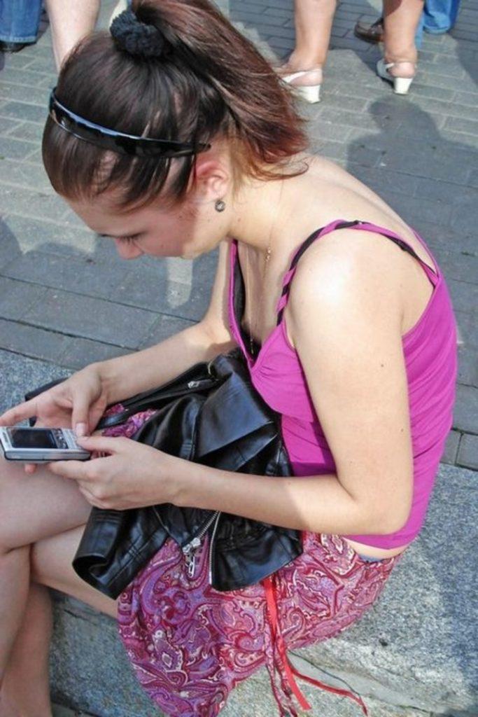 【乳首ポロリ】B地区をポロッちゃった女性たちをご覧くださいwwwwww(115枚)・31枚目