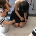 【エロ画像】女同士の性的イジメが完全にエロを超越しててコワイ。。