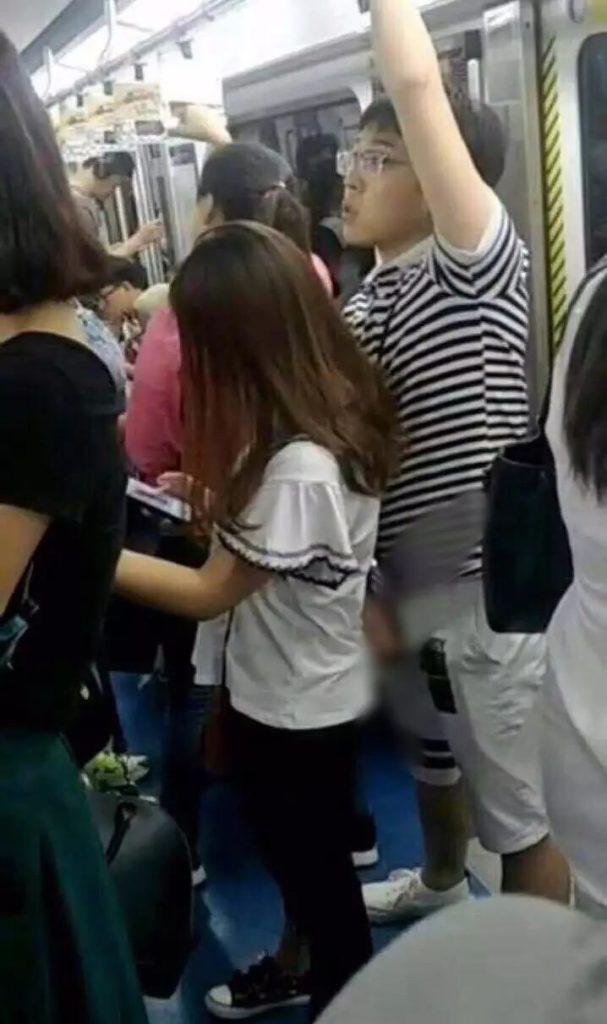 【ガチ痴漢】電車でチカン被害に遭ってる女の子が撮影される・・・(画像あり)・9枚目