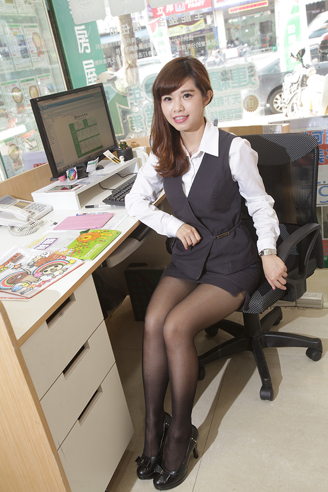 【OLエロ】台湾の働く女の子がエチエチすぎると話題に。整形感が半端ないwwwww・1枚目