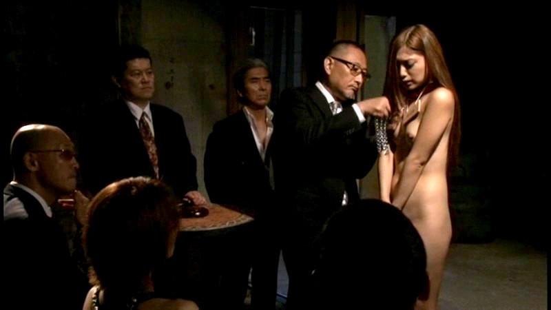 【人身売買】性奴隷オークションで女が買われる光景がこちら。。(画像あり)・11枚目